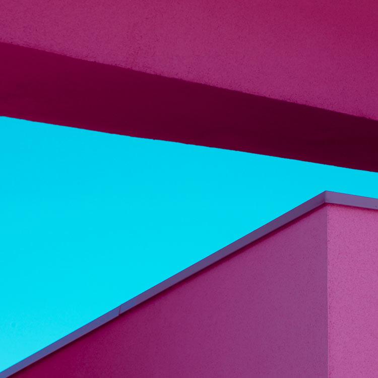 Фотографии архитектуры в жанры сюрреализм и море. И да, тебе понравится!