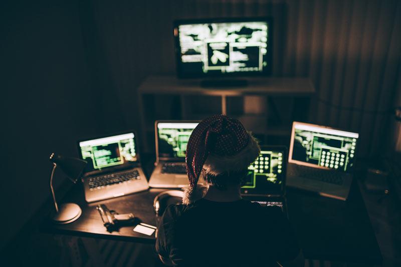 Скажи нет: не алкоголю, а кибератакам. Заодно расскажем, как от них обезопаситься.