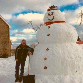 Снег работе не помеха: 10 способов заработать денег зимой